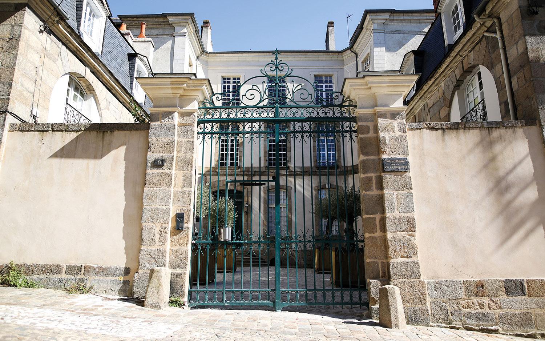 Cabinet st-Georges - Institut de beauté haut de gamme - Soin de peau sur-mesure à Rennes